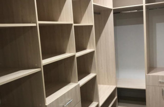 Гардеробные и встроенные шкафы на заказ